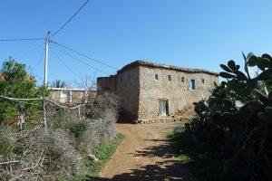 Casa tradicional - Por Grupo nhəḍṛu